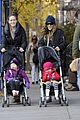 sarah jessica parker rainy day walk with twins 02