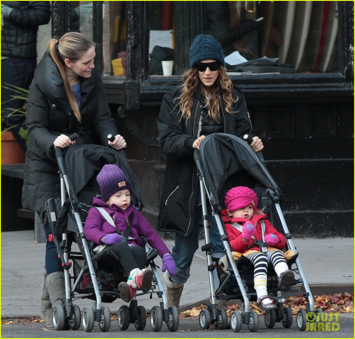 sarah jessica parker matthew broderick school stroll with kids 022764428