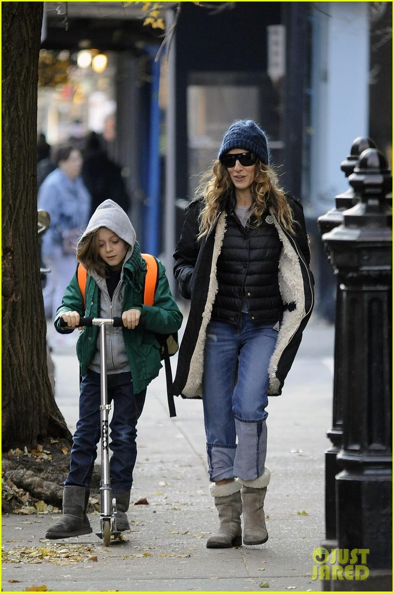 sarah jessica parker matthew broderick school stroll with kids 082764434