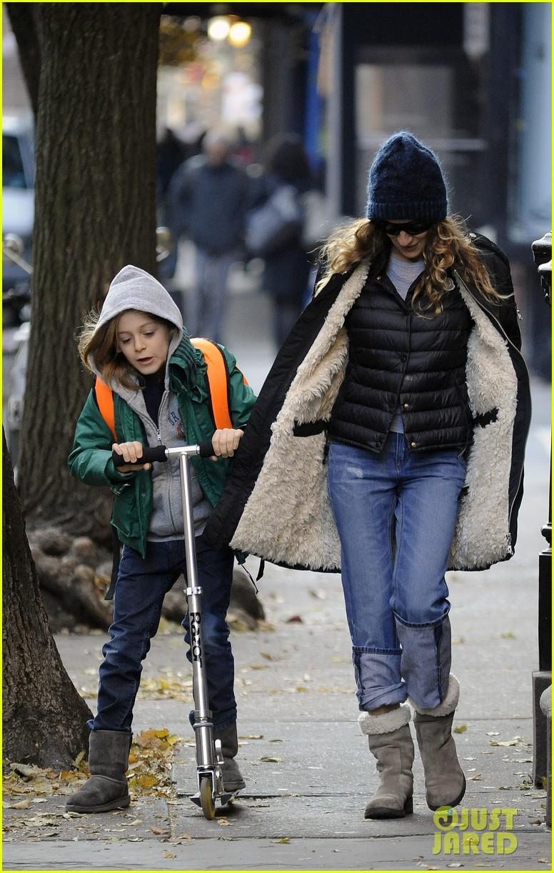 sarah jessica parker matthew broderick school stroll with kids 092764435