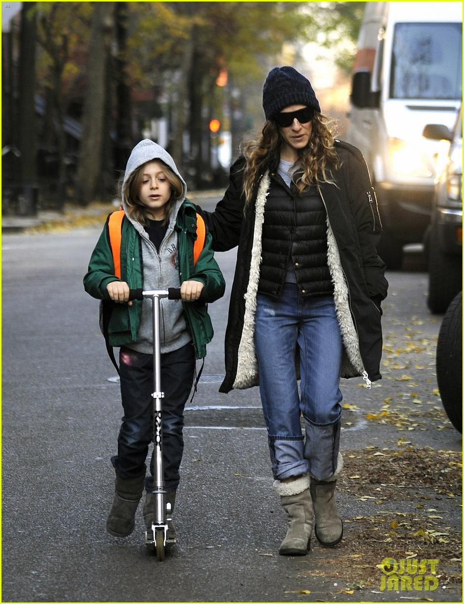 sarah jessica parker matthew broderick school stroll with kids 102764436