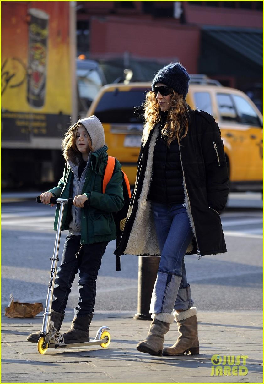 sarah jessica parker matthew broderick school stroll with kids 162764442