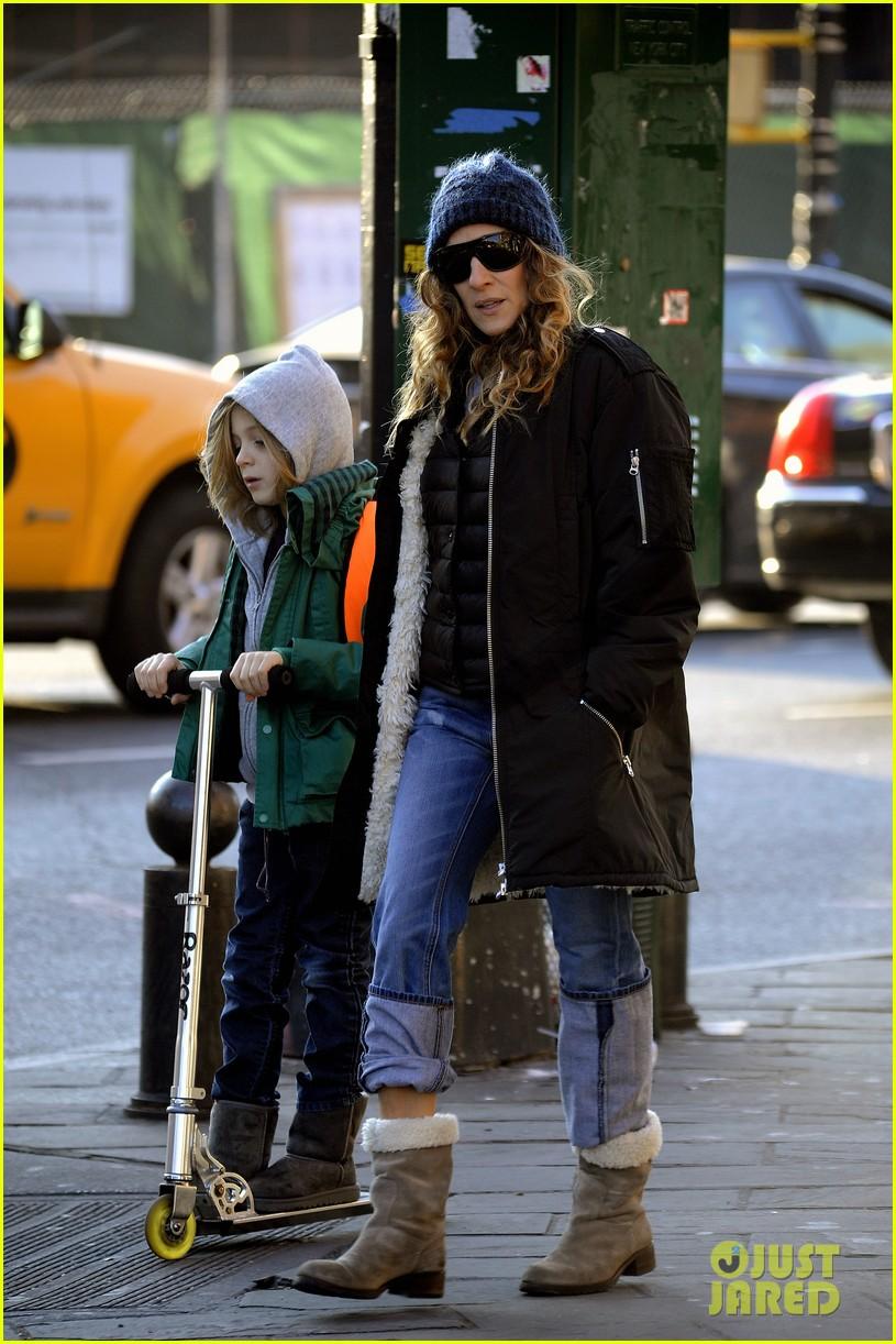 sarah jessica parker matthew broderick school stroll with kids 172764443
