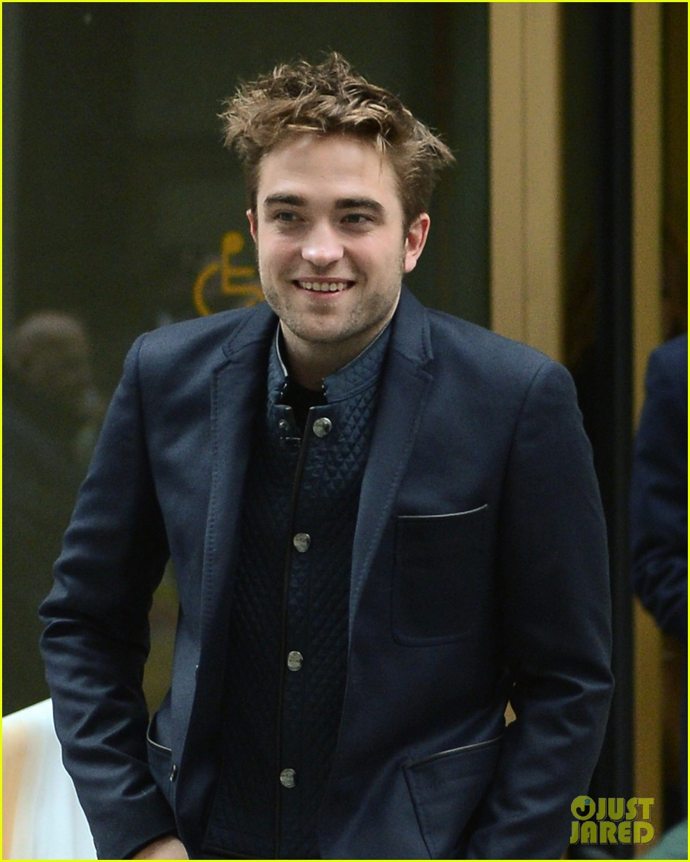robert pattinson dodges kristen stewart questions on today 23