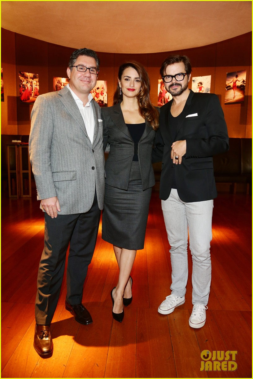 penlope cruz campari calendar unveiling press conference 052757507
