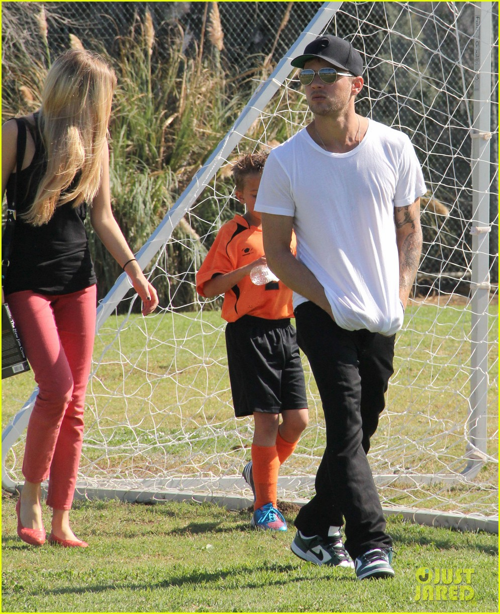 ryan phillippe deacons soccer game with paulina slagter 102750494
