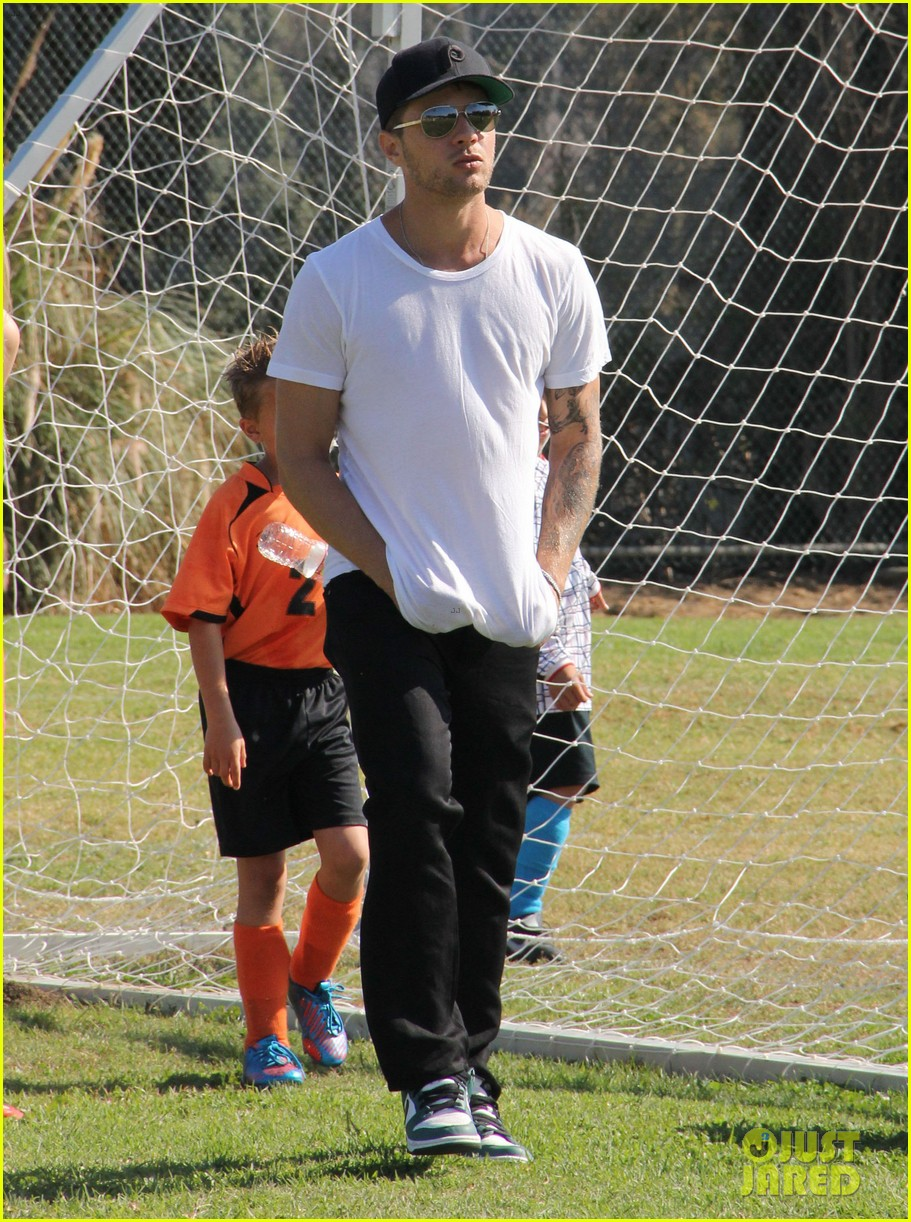 ryan phillippe deacons soccer game with paulina slagter 112750495