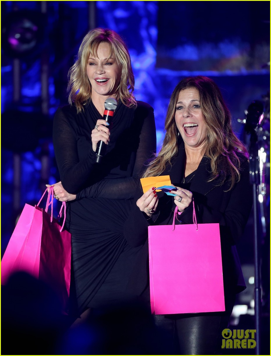 pink rita wilson st john power of pink fundraiser 132756485
