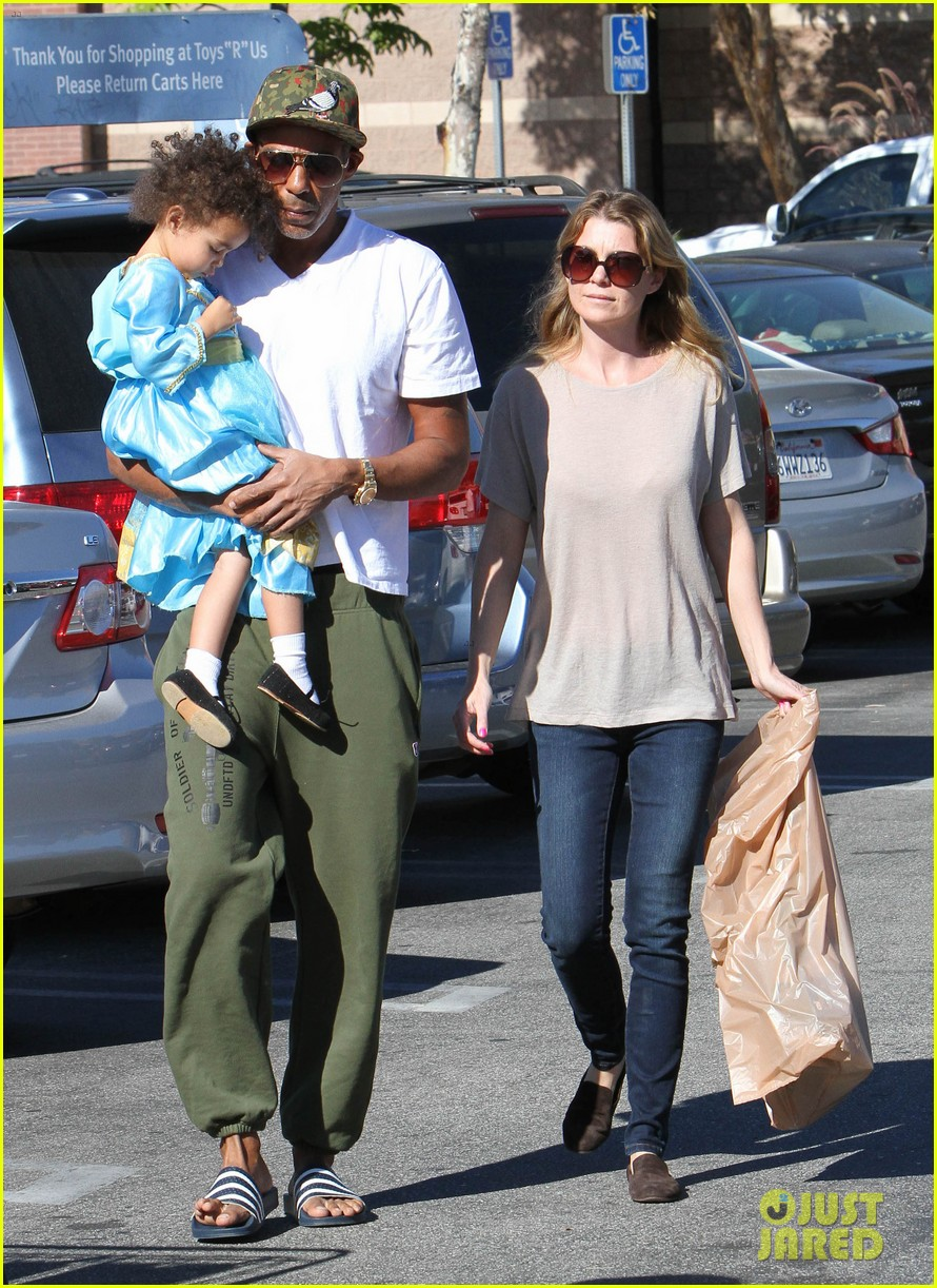 ellen pompeo chris ivery toys r us shopping with stella 012763538