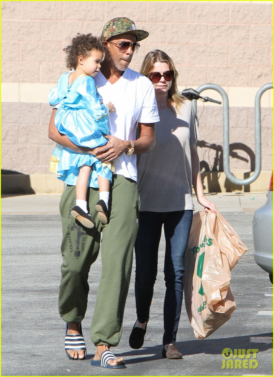 ellen pompeo chris ivery toys r us shopping with stella 022763539
