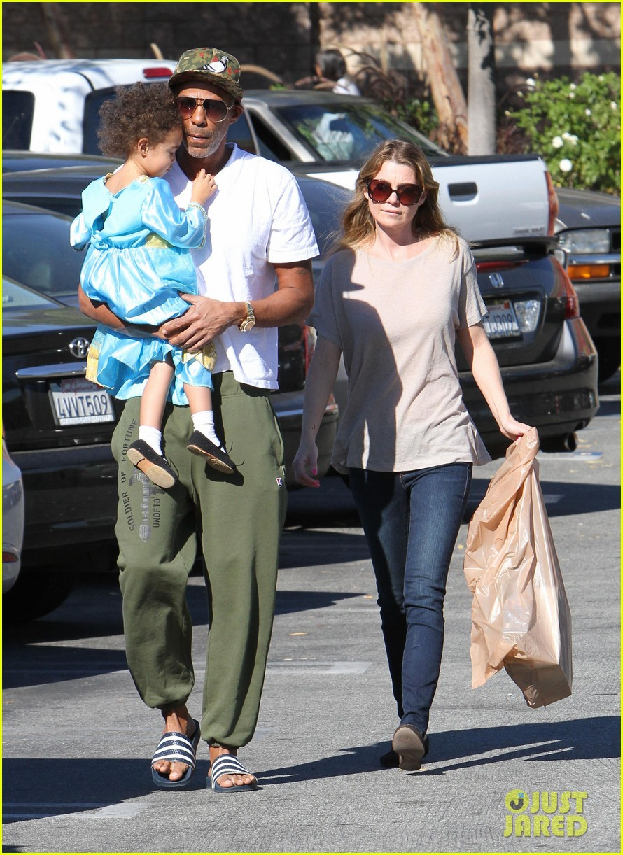 ellen pompeo chris ivery toys r us shopping with stella 082763545