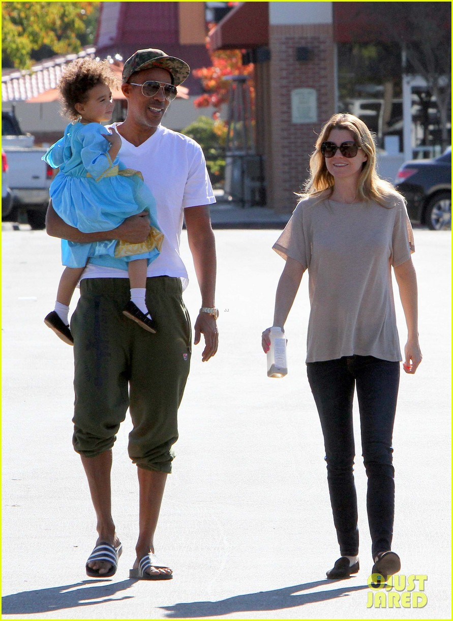 ellen pompeo chris ivery toys r us shopping with stella 09