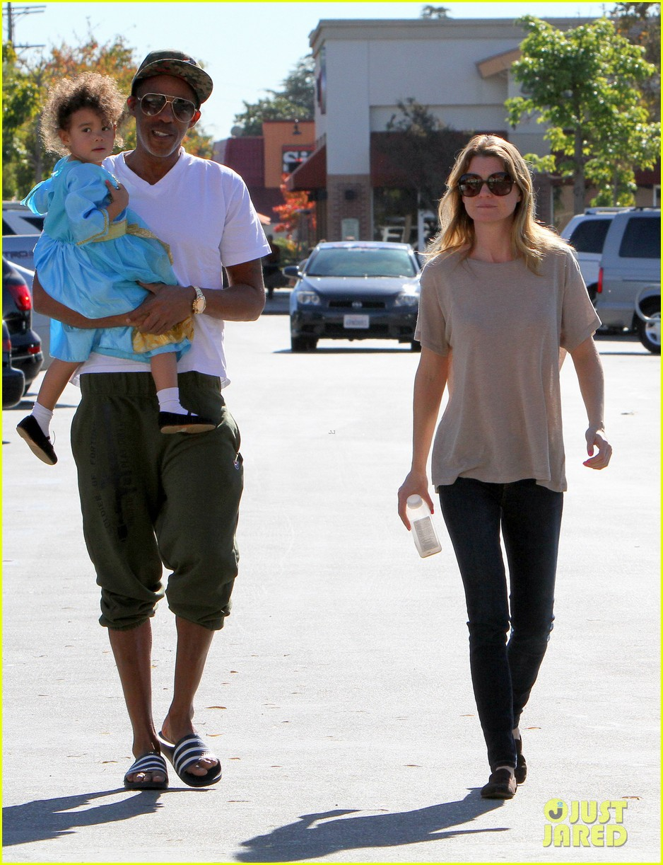 ellen pompeo chris ivery toys r us shopping with stella 102763547