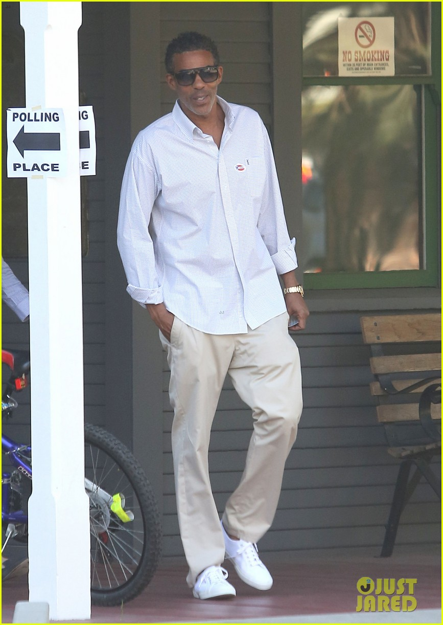 ellen pompeo election day voting with chris ivery 062752147