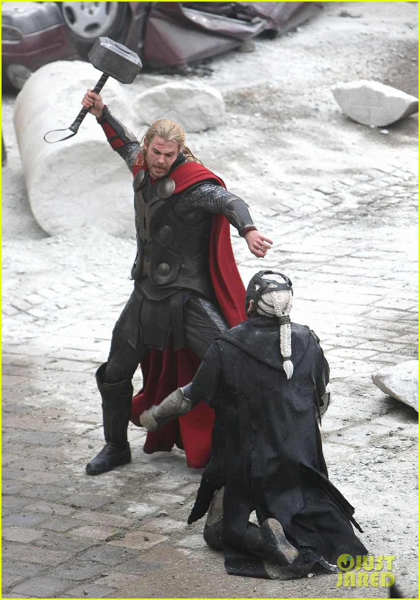 natalie portman thor the dark world set 032761882