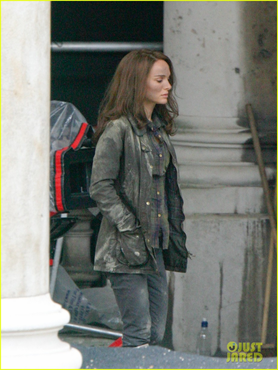 natalie portman thor the dark world set 12