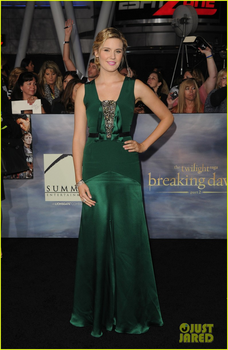 elizabeth reaser twilight breaking dawn part 2 02