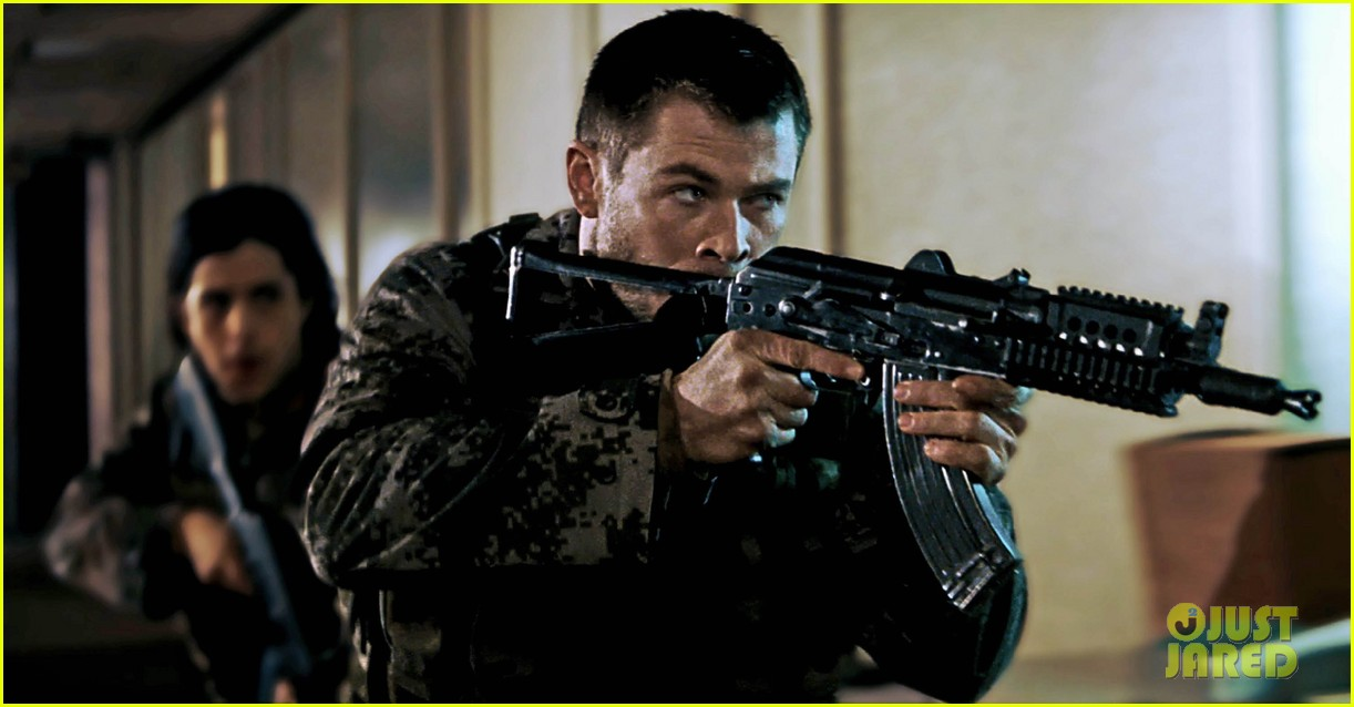chris hemsworth red dawn exclusive images 052760105