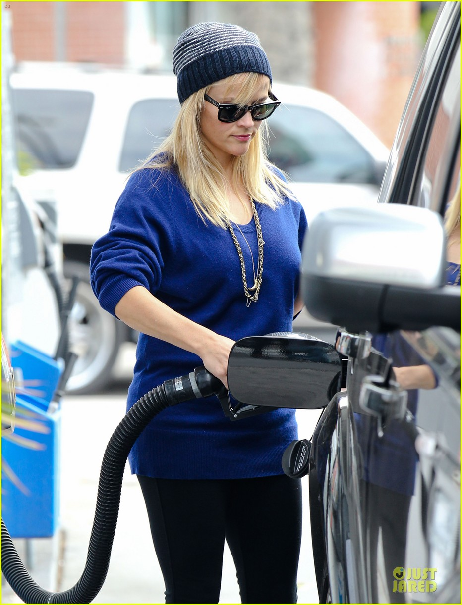 reese witherspoon favorite comedic actress nominee 042759179