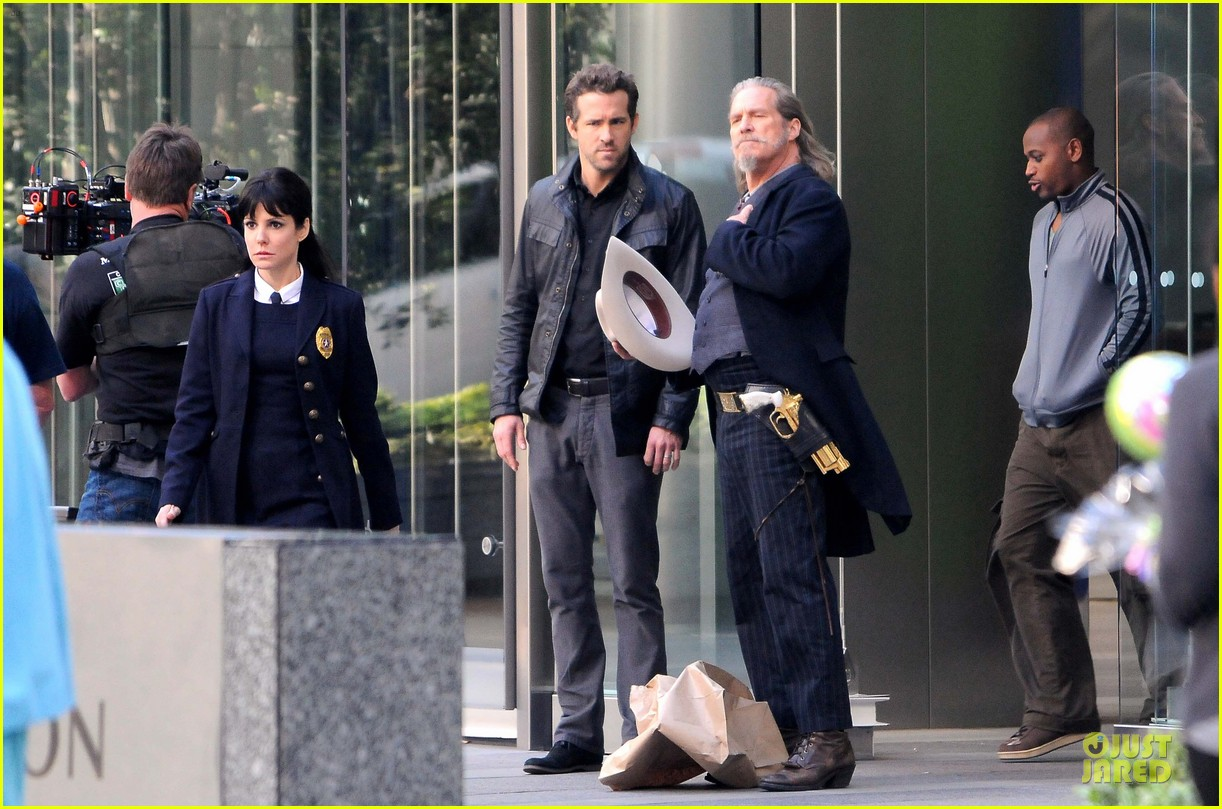 ryan reynolds ripd reshoots with mary louise parker 082763813