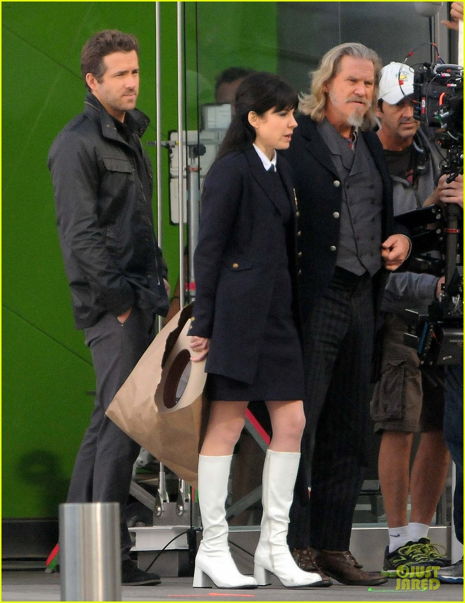 ryan reynolds ripd reshoots with mary louise parker 092763814