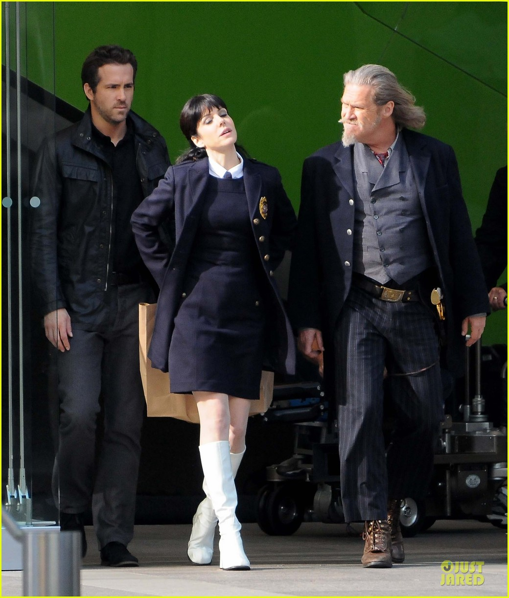 ryan reynolds ripd reshoots with mary louise parker 202763825