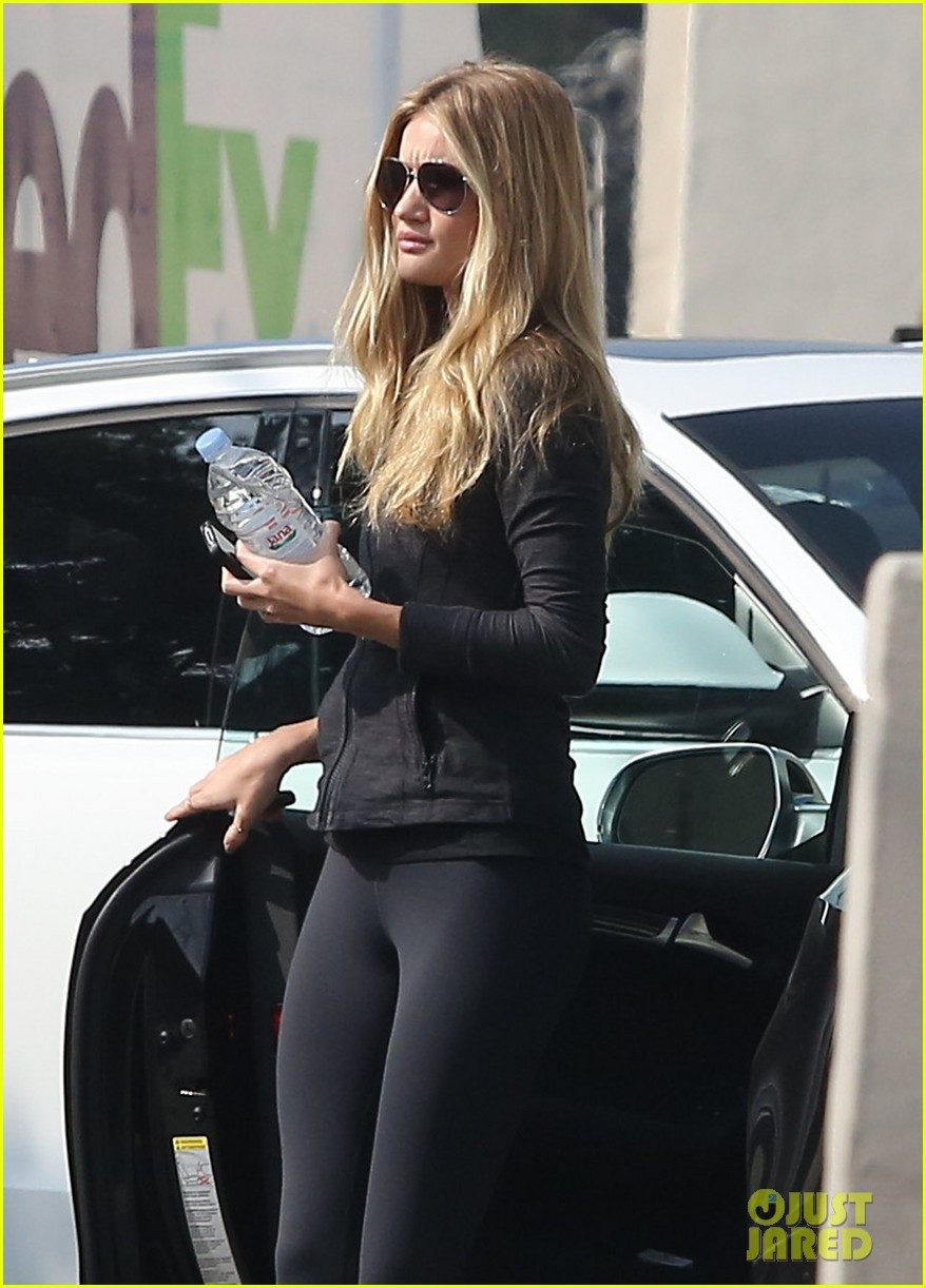 rosie huntington whiteley wednesday workout woman 042753519