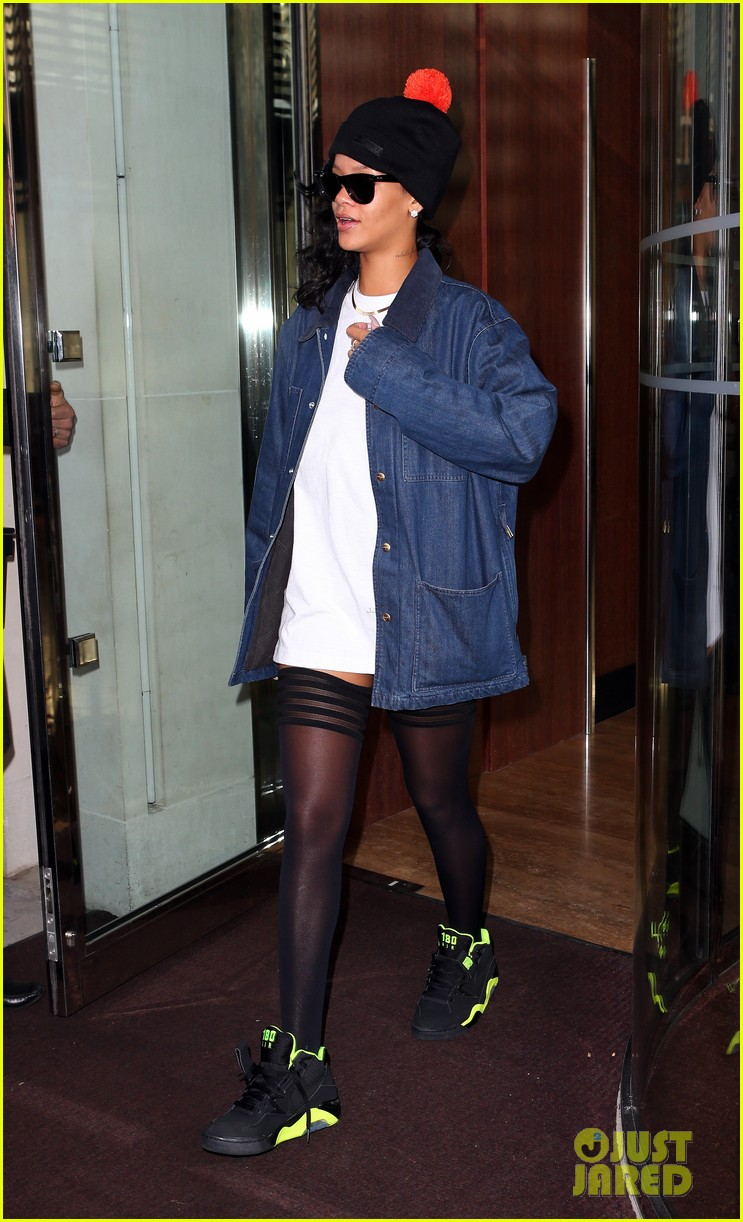 rihanna x factor uk performance tonight 042763577