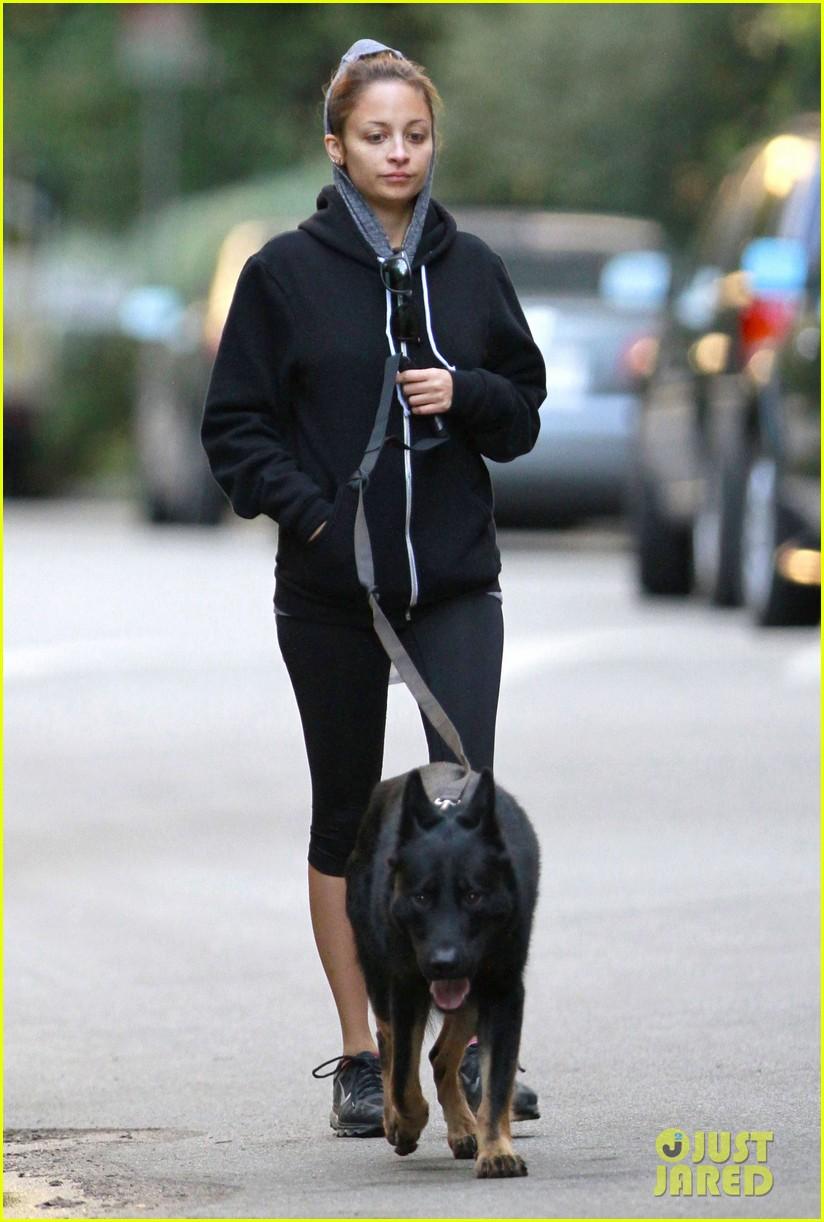 nicole richie chilly dog walk 062755421