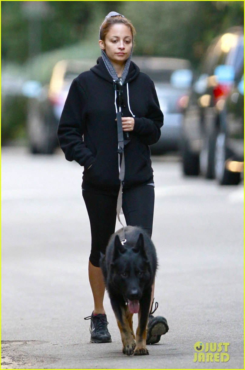 nicole richie chilly dog walk 072755422