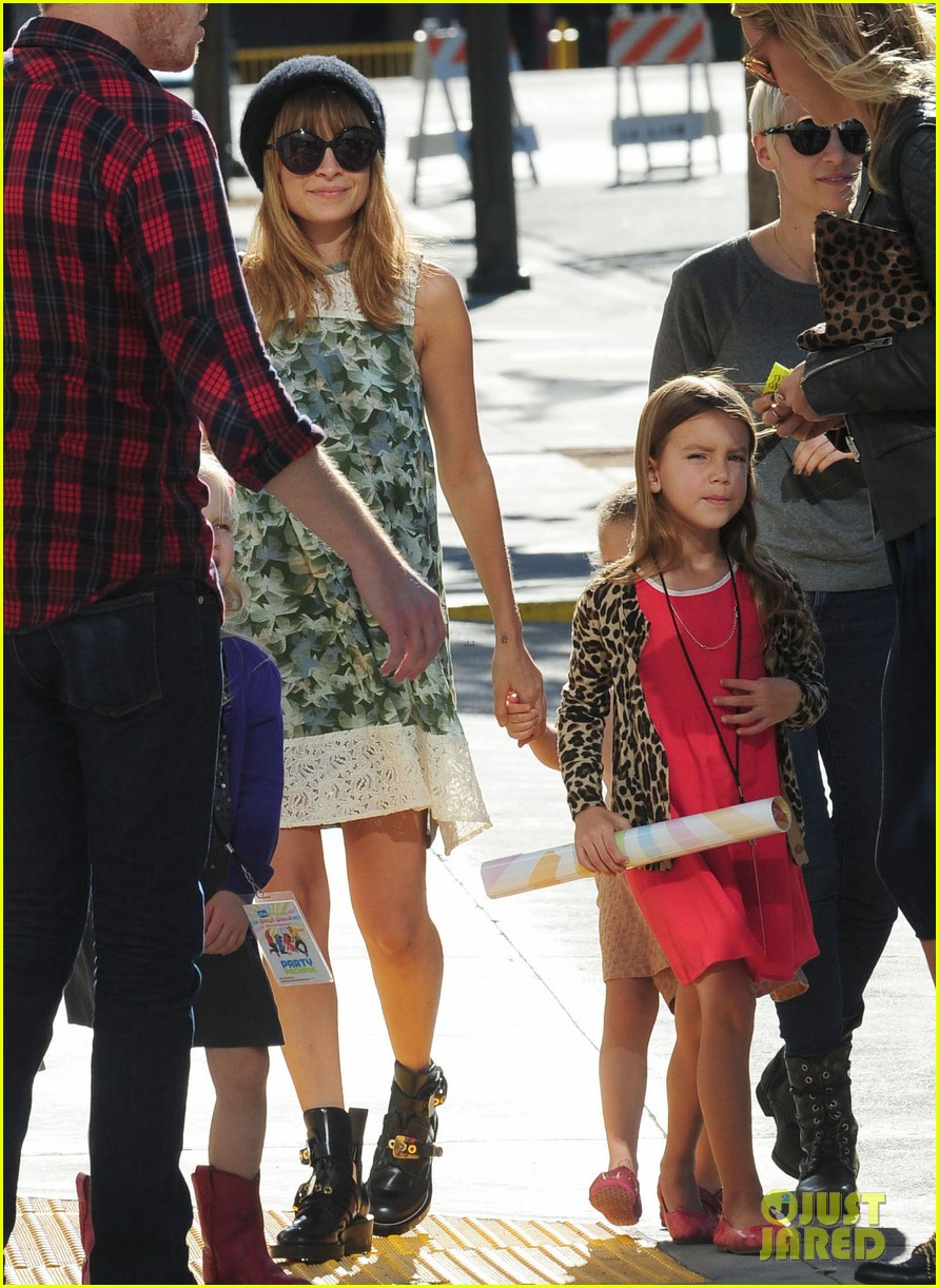nicole richie daughter harlow concert cuties 09