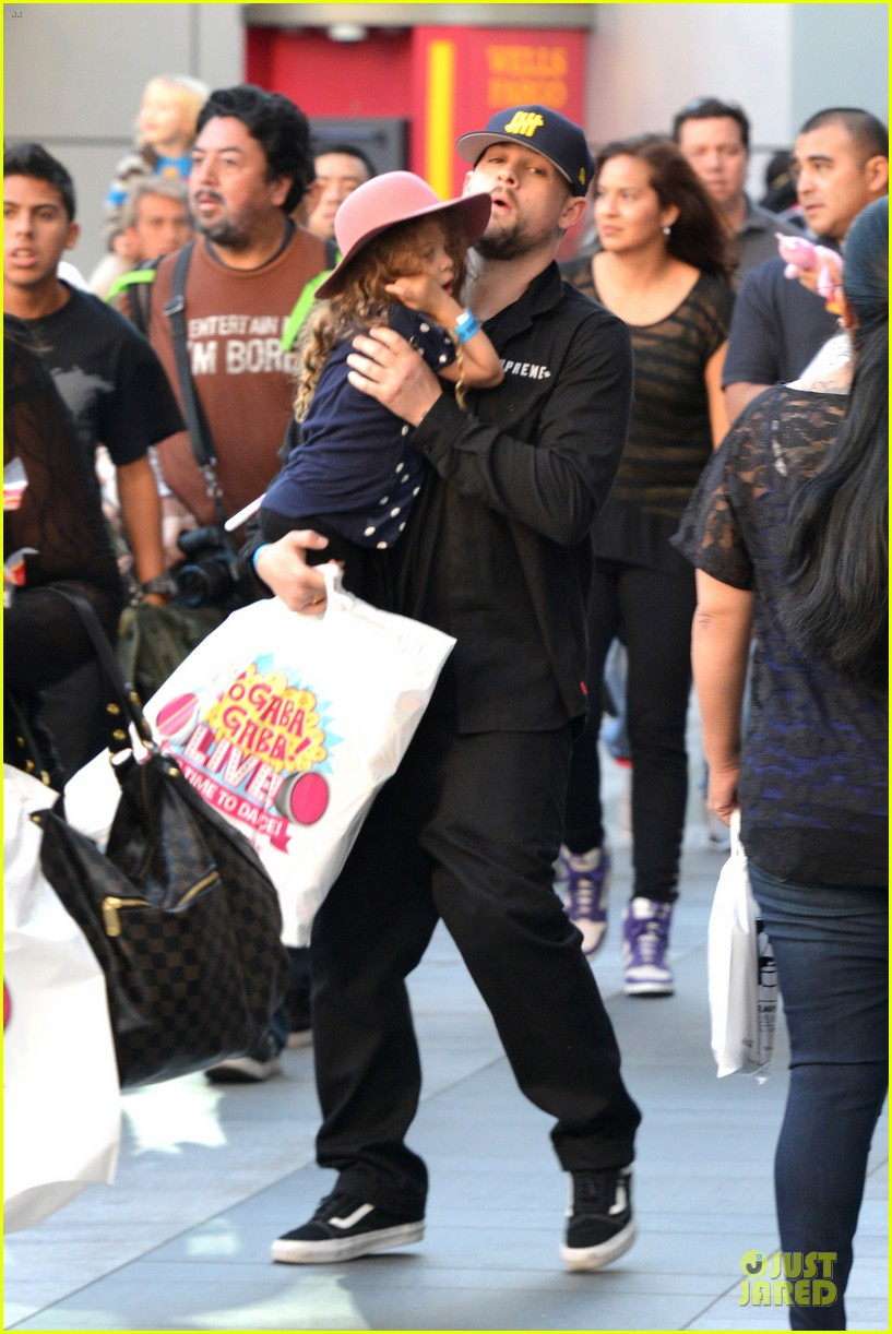 nicole richie joel madden yo gabba gabba show with the kids 032763049