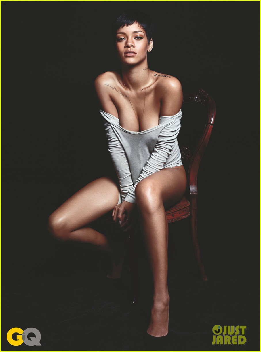 rihanna naked gq mag cover girl 02