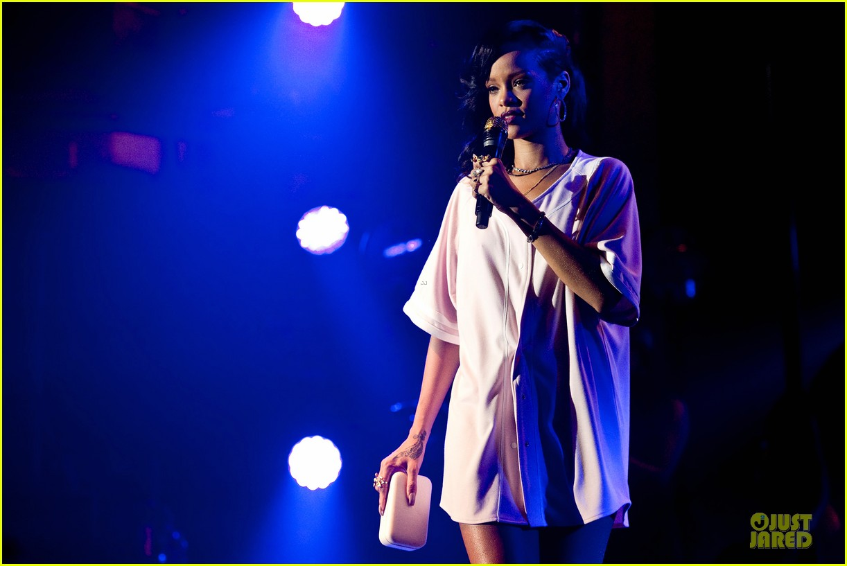 rihanna 777 tour wraps in nyc with jay z exclusive 112761976