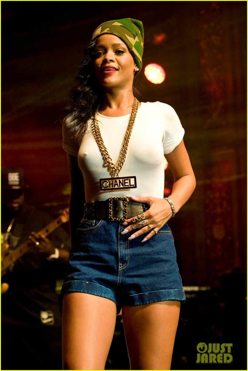 rihanna stockholm stop on 777 tour exclusive 02