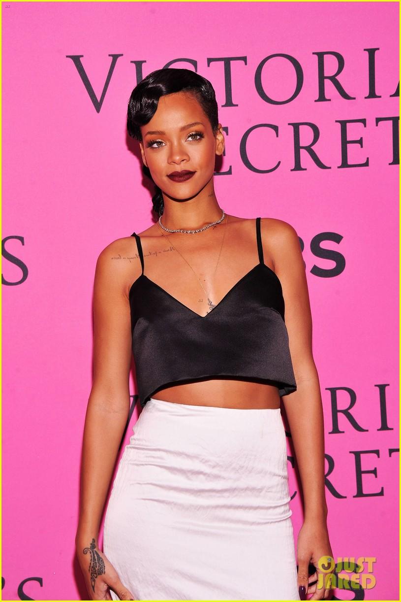 rihanna justin bieber vs fashion show 2012 pink carpet 062753264
