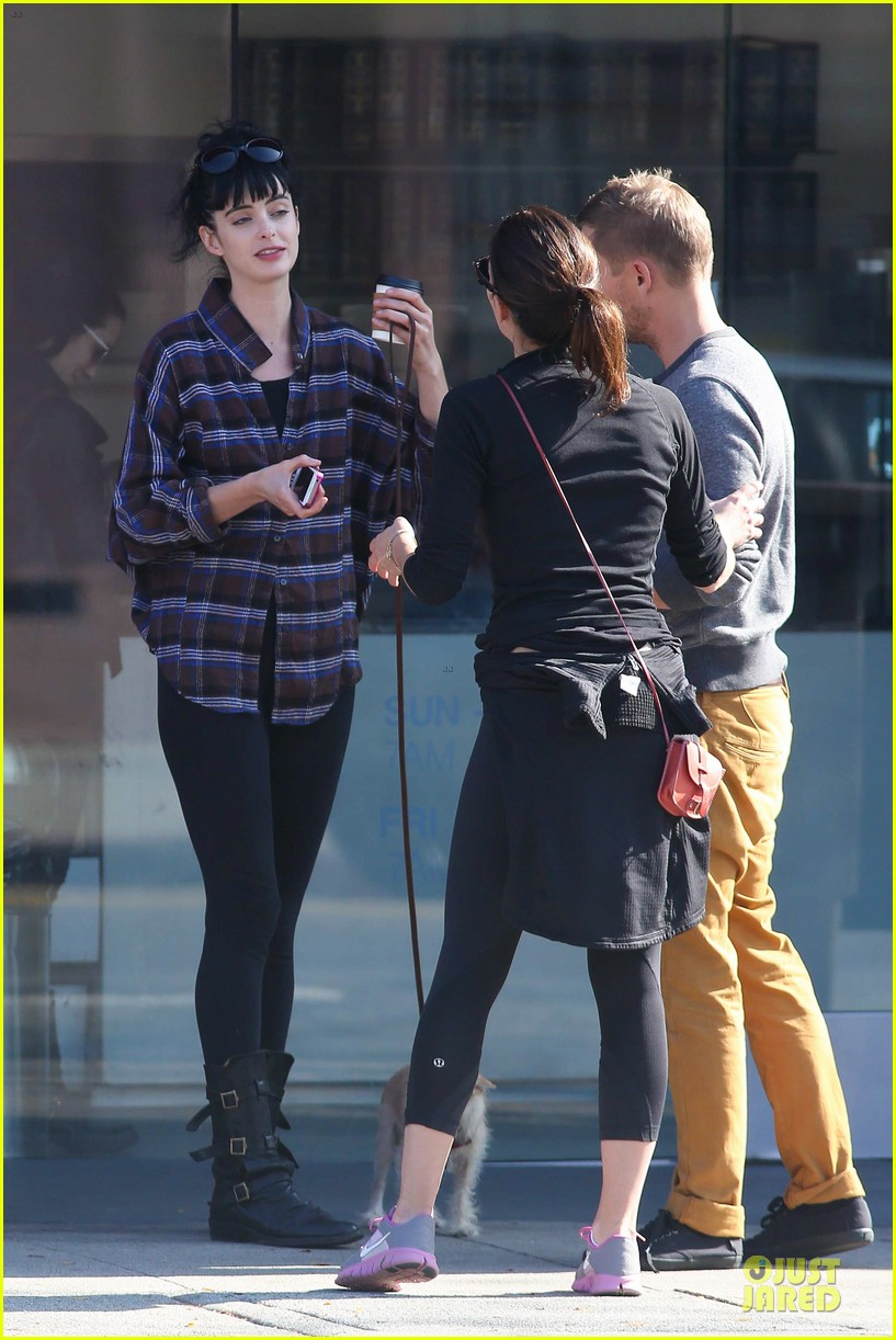 krysten ritter brian geraghty sunday breakfast in silverlake 102764028