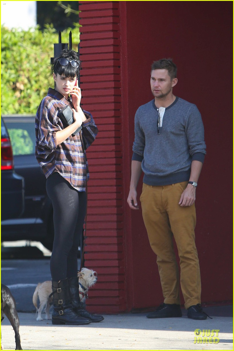 krysten ritter brian geraghty sunday breakfast in silverlake 152764033