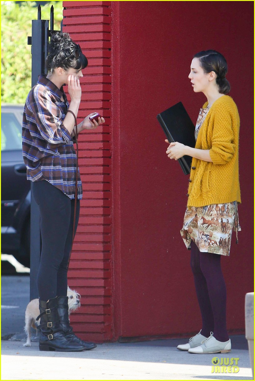 krysten ritter brian geraghty sunday breakfast in silverlake 172764035