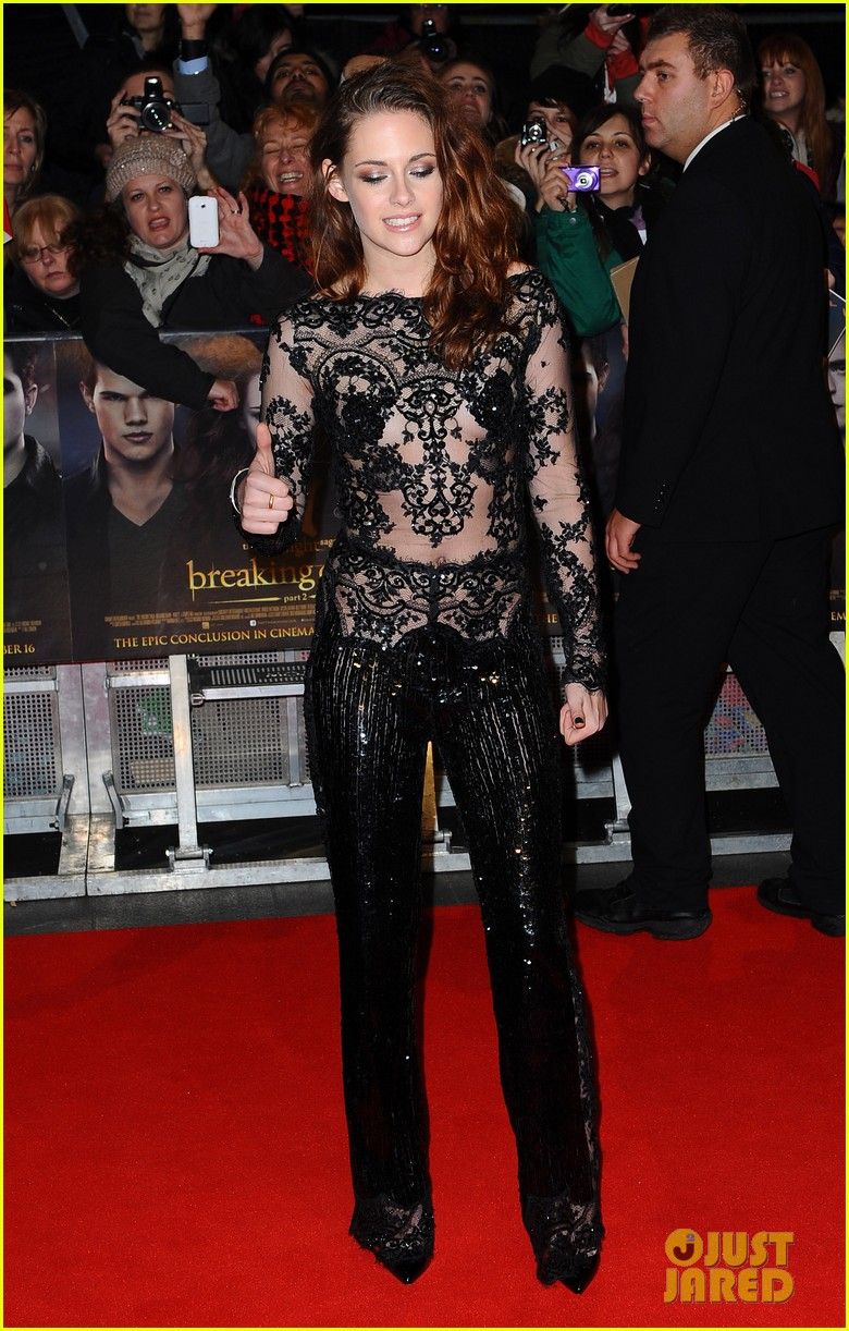 robert pattinson kristen stewart twilight breaking dawn part 2 uk premiere 04