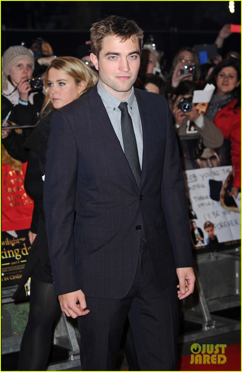 robert pattinson kristen stewart twilight breaking dawn part 2 uk premiere 072757470
