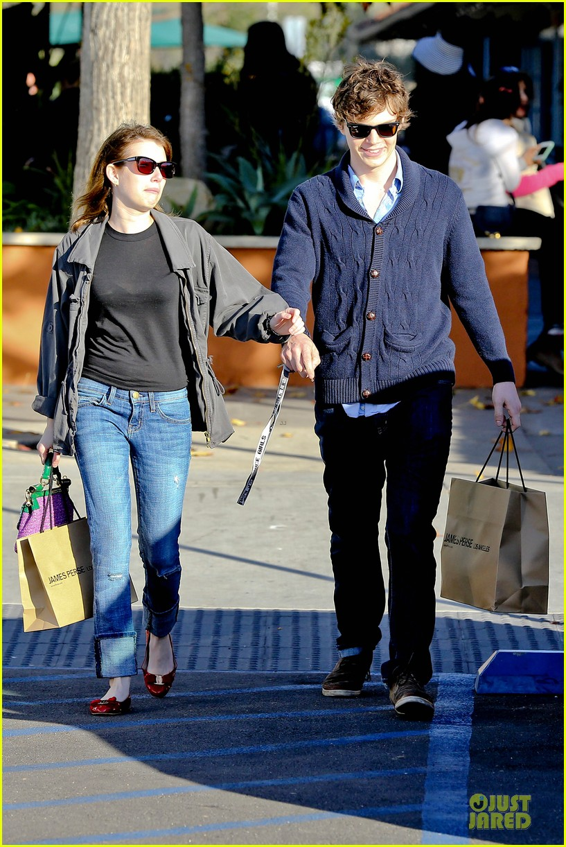 emma roberts evan peters black friday shopping couple 032763073