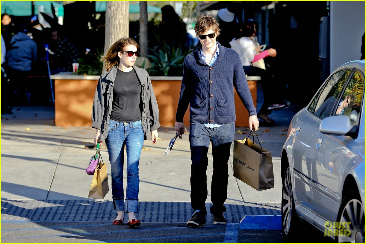 emma roberts evan peters black friday shopping couple 092763079