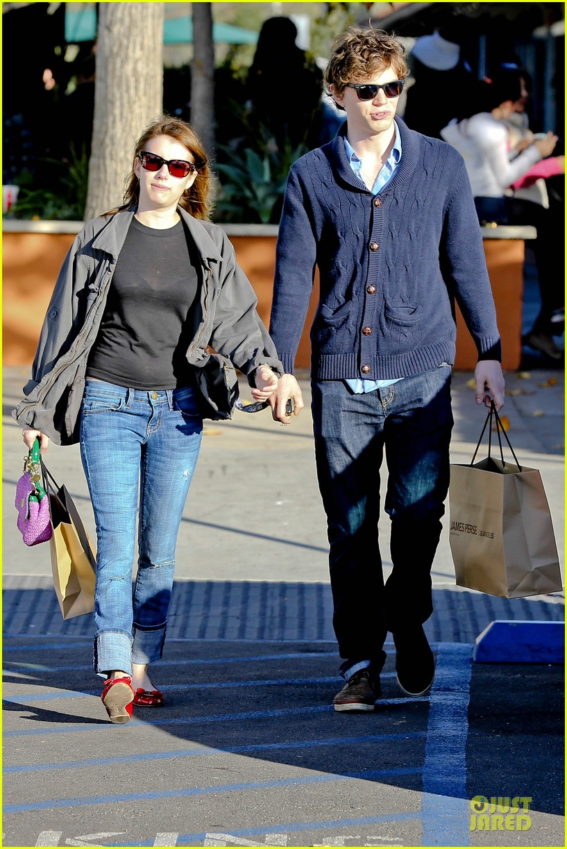 emma roberts evan peters black friday shopping couple 122763082