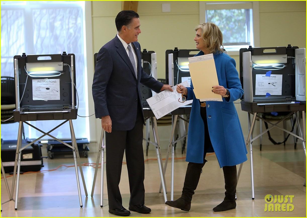 mitt romney votes for presidency in massachusetts pics 012751877