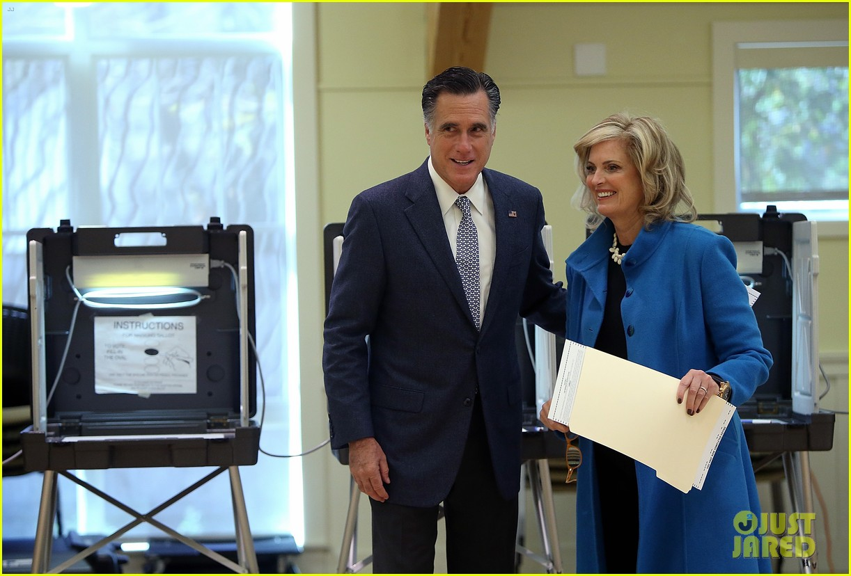 mitt romney votes for presidency in massachusetts pics 062751882