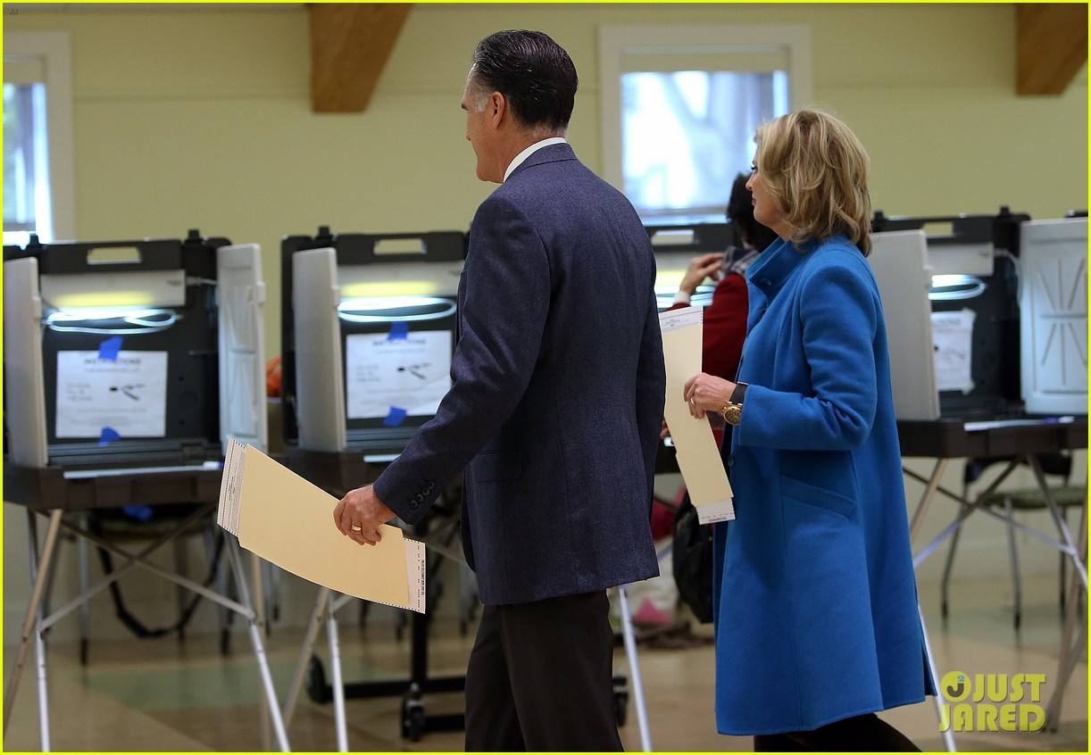 mitt romney votes for presidency in massachusetts pics 07