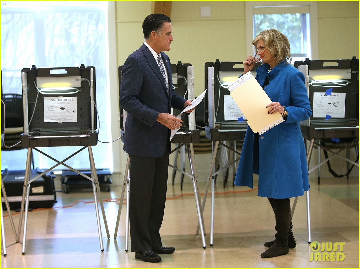 mitt romney votes for presidency in massachusetts pics 082751884