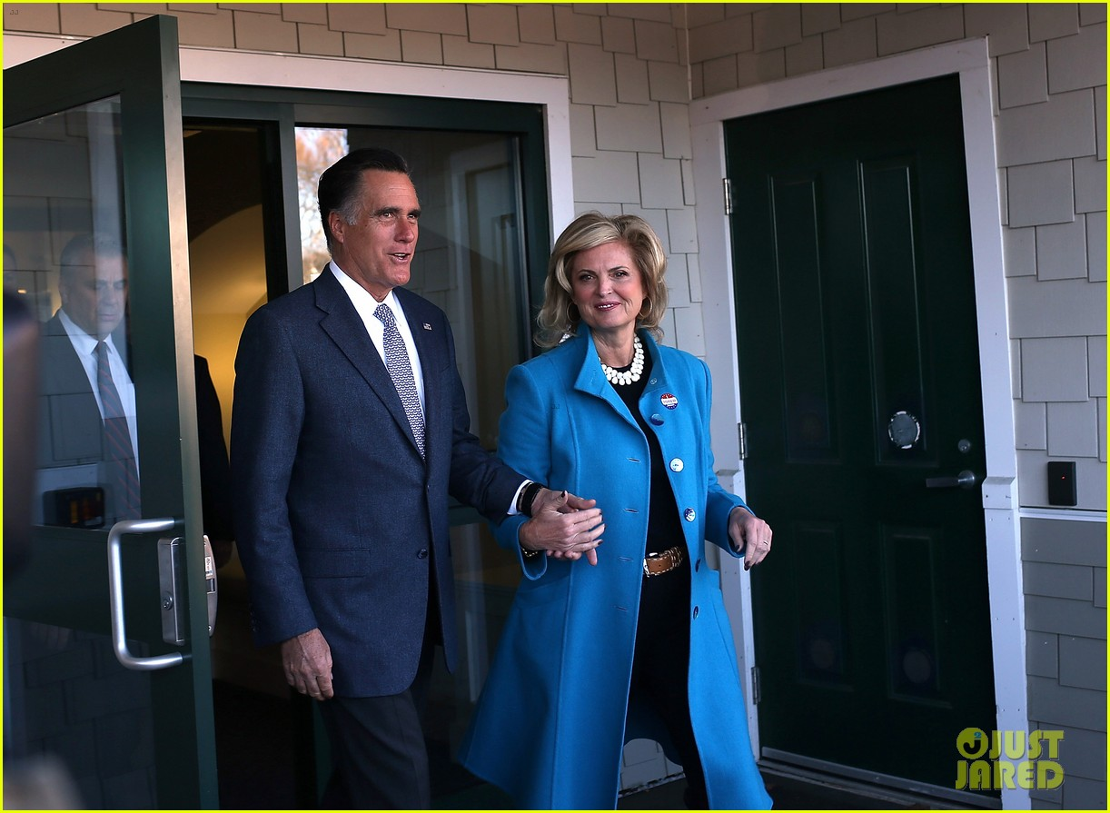 mitt romney votes for presidency in massachusetts pics 112751887