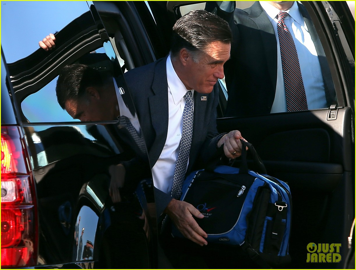 mitt romney votes for presidency in massachusetts pics 122751888